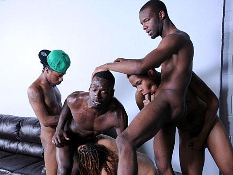 Enorme partouze porno africain gay nu avec 5 bo blacks !