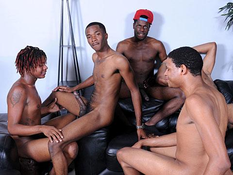 Partouze gay black entre 5 africains homos !